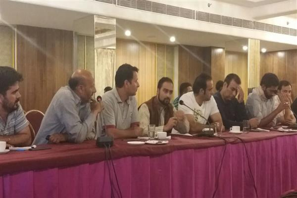 Round Table Conference seeks emergency Assembly Session over Article 35-A | KNO