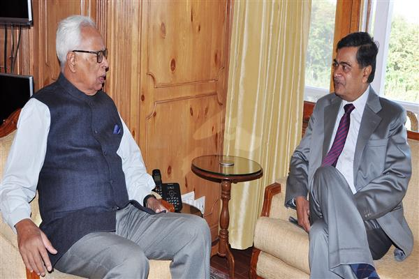 Union Minister of Power, New & Renewable Energy Shri R.K. Singh calls on Governor | KNO