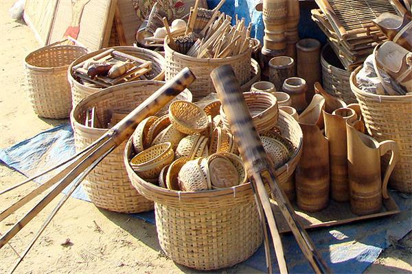 Handicrafts Sector Struggling In Kashmir Kno
