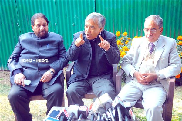 Kashmiri culture can be preserved only through mother tongue : Tarigami | KNO
