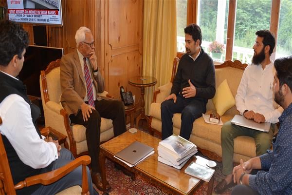 Delegation led by Tassaduq Mufti meets Governor | KNO