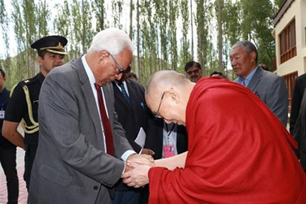 Governor meets Dalai Lama at Leh | KNO
