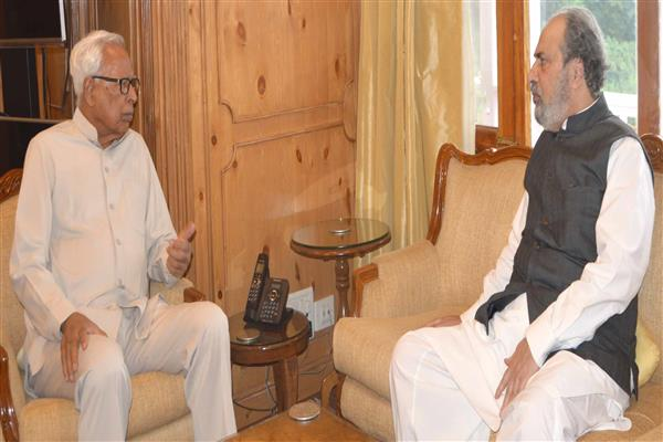 MP Baig meets Governor | KNO