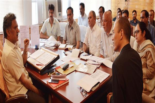 Advisor Ganai reviews functioning of Education Department | KNO