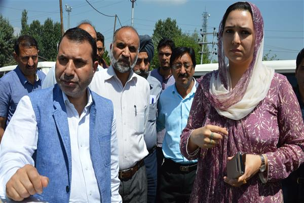Farooq Shah inspects Doodhganga  diversion channel | KNO