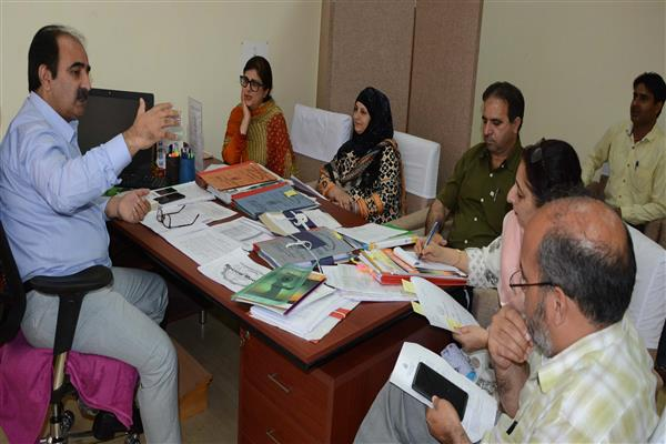 Benefits of social welfare schemes should reach uncovered areas : Dr Farooq Lone | KNO