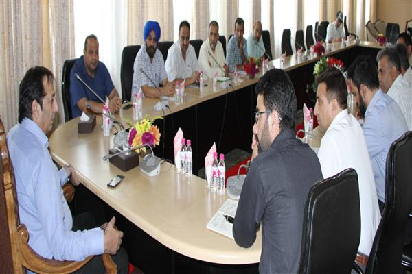 Send daily progress report of dev projects in city : Div Com to engineers | KNO