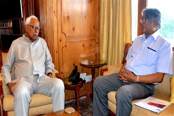 New VC Kashmir University meets Governor | KNO