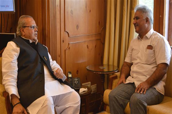 Director SKIMS meets Governor | KNO