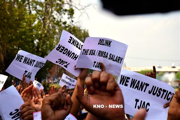 SSA teachers begins hunger strike to press their demand | KNO