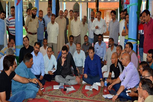 Div Com Kashmir Reviews Muharram arrangements at Hassanabad, Zadibal | KNO