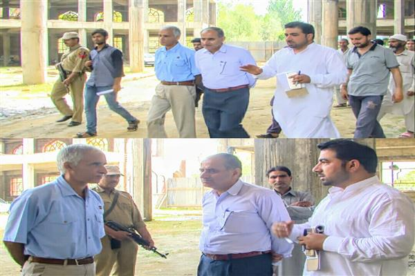 Commissioner SMC takes stock of Muharram arrangements in Bemina | KNO