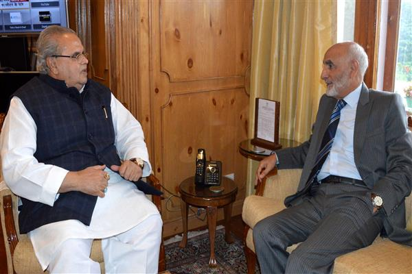 Chairman J&K SHRC calls on Governor | KNO