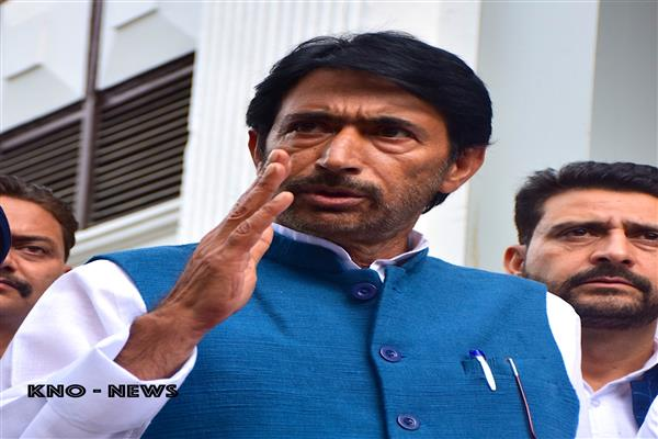 Mir expresses deep shock over loss of lives in Kishtwar | KNO
