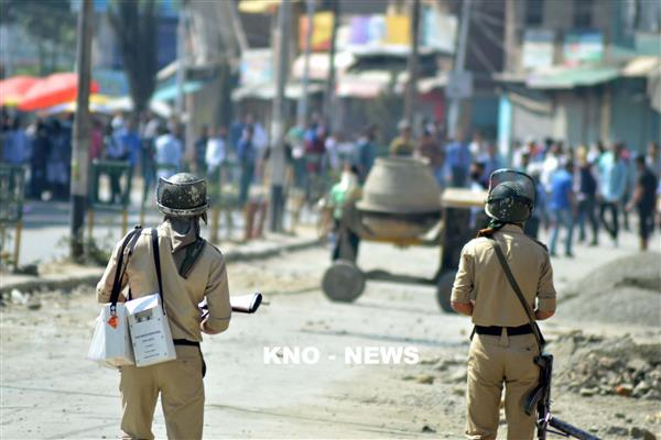 Qazigund Encounter : Youth killed | KNO