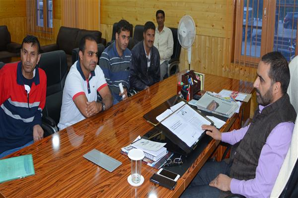 Kashmir Photojournalists Association calls on Dir Info | KNO