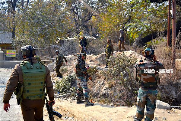 Militants attack on 32 RR camp in Rafiabad | KNO