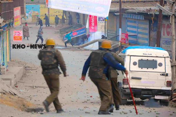Clashes amid CASO in Sopore Village | KNO