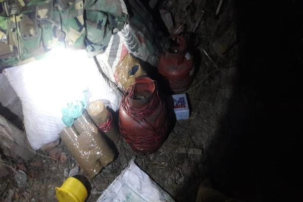 Army busts hideout in Shopian village | KNO
