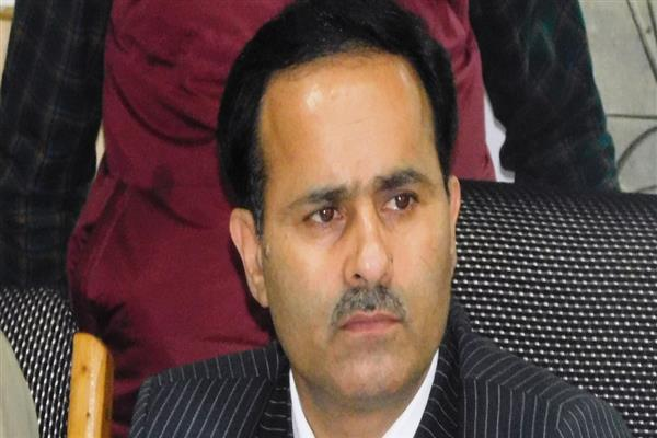 Dir Edu inspects exam centers in Pulwama, Shopian | KNO