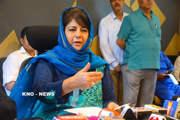 Kashmir can be resolved through Kartarpur like initiatives: Mehbooba | KNO