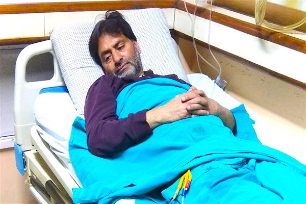 Ailing Malik admitted at Soura institute | KNO