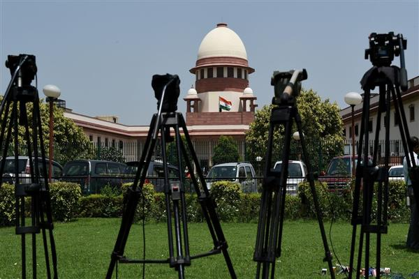SC dismisses PIL challenging dissolution of J&K assembly | KNO