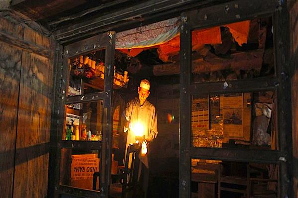 3 weeks on, Tral areas reel under darkness | KNO