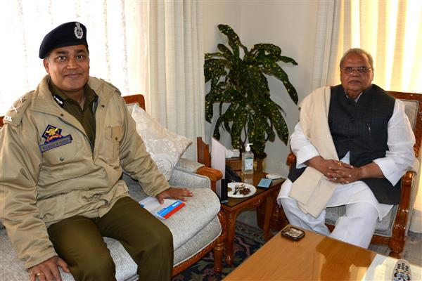 IGP Jammu meets Governor | KNO