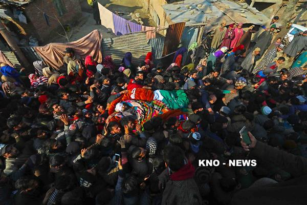 Pulwama encounter: Four militants killed, scores injured in clashes near gunfight site | KNO