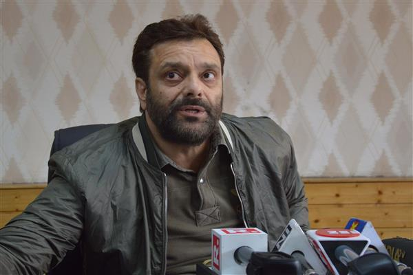 PDP loses another wicket as Javaid Mir resigns from party