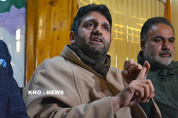 Dy Mayor welcomes Governor's offer to Hurriyat, urges him to intervene in release of Shahid-ul-Islam | KNO