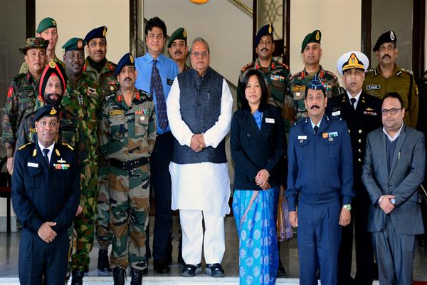 Group of Faculty and Course Members from National Defence College calls on Governor | KNO
