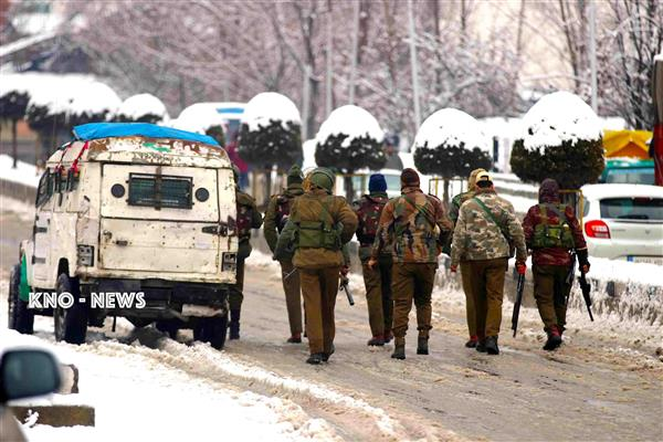 Pulwama encounter : One militant killed, amid rattling exchange of gunfire protesters clash with forces | KNO