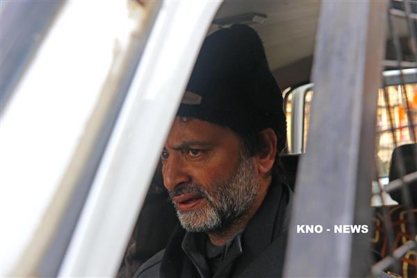 Yasin Malik remains under custody, pays tribute to Adv Hussain, others | KNO
