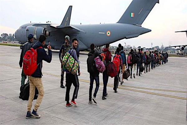 707 stranded passengers airlifted to Srinagar from Jammu | KNO