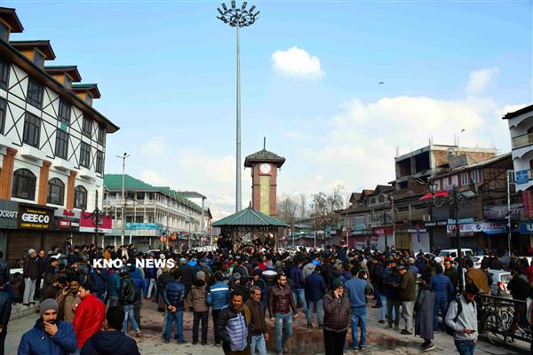 Traders Association calls for Kashmir Band on Sunday, clashes erupt in Lal Chowk | KNO