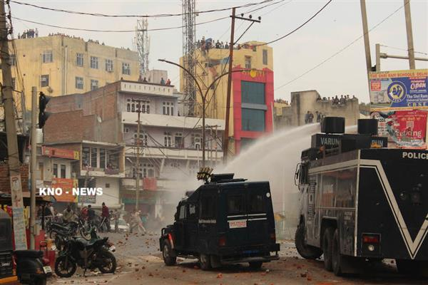 Jammu: Curfew relaxed from 2-5pm in South Jammu, Kashmiri employees boycott duties | KNO