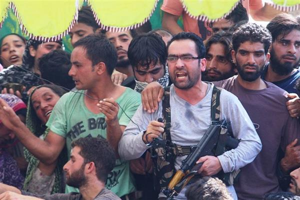 Start a sustained, result oriented agitation if 35-A scrapped: Hizb chief Naikoo tells Hurriyat | KNO