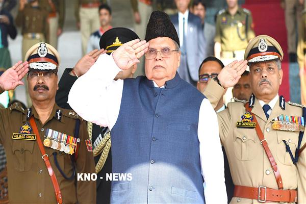 Governor pays homage to Dy. S.P Aman Thakur | KNO