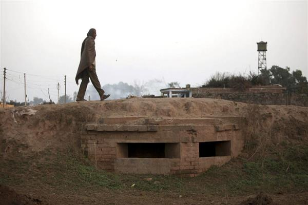400 additional bunkers sanctioned for Poonch, Rajouri | KNO