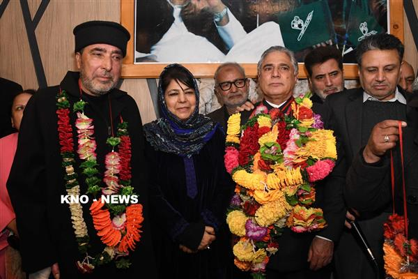 Two NC leaders join PDP in presence of Mehbooba Mufti | KNO