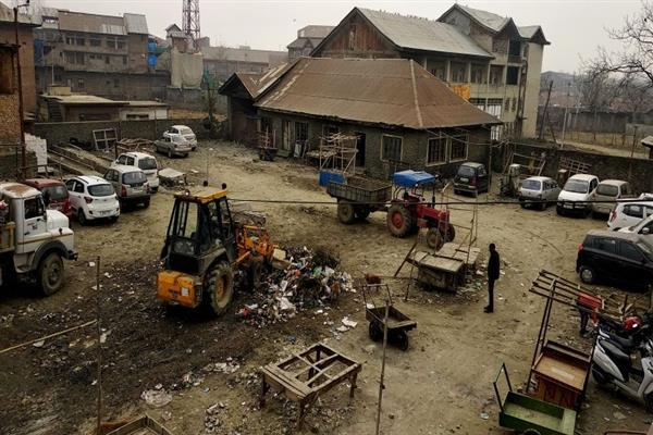 Sopore's SRTC yard turns into 'Achan' | KNO