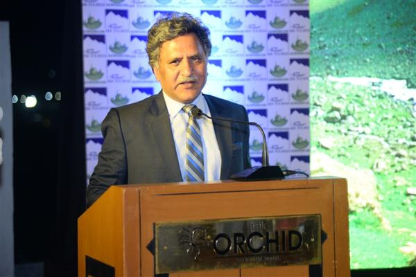 Advisor Ganai addresses JK Tourism Conclave in Mumbai | KNO
