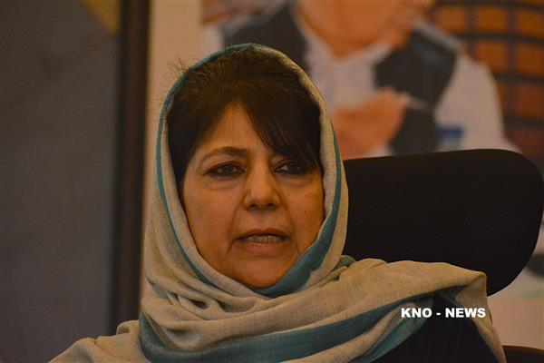 Tampering with Art 370 will end JK's relationship with Union of India: Mehbooba | KNO