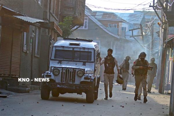 Clashes erupt as forces tried to arrest local youth in Kulgam village | KNO