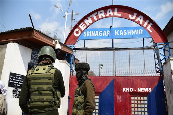 Massive riots in Srinagar Central Jail, 2 inmates injured, prison property damaged | KNO