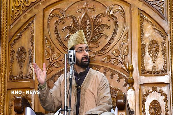 Mirwaiz Umar questioned for second straight day at NIA headquarters in Delhi | KNO