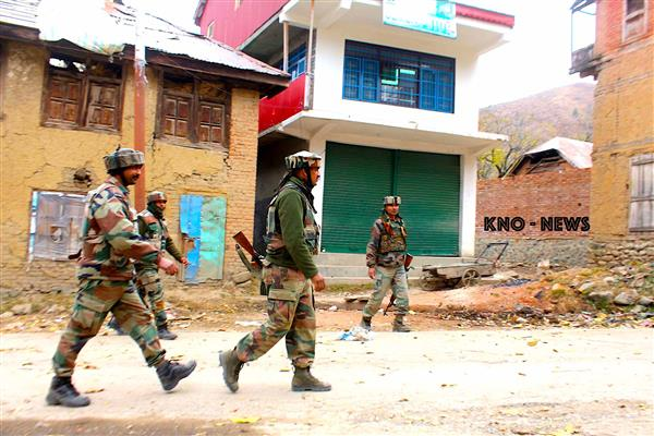 Forces launch search operation in Pulwama village | KNO