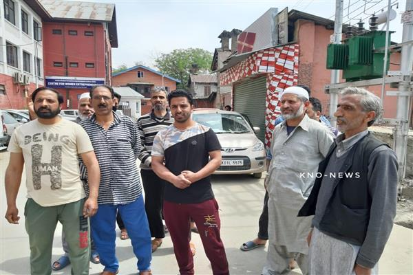 Kashmiri mutton dealers protest against stopping of livestock in Udhampur | KNO